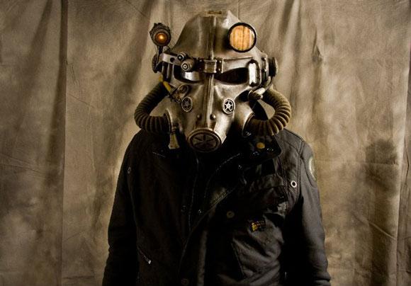 http://hacknmod.com/wp-content/uploads/2011/01/Fallout-Helmet03.jpg