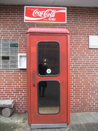 Telefonzelle Kneipeneingang